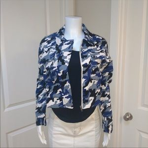 Jackets & Blazers - Cargo Blue Camo Jacket size medium